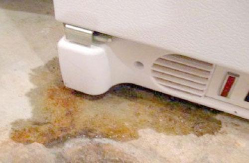 Tủ lạnh side by side bị chảy nước khi hoạt động