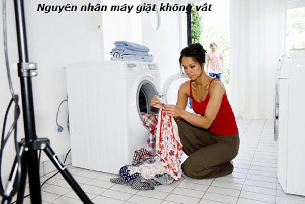 nguyen-nhan-va-cach-khac-phuc-may-giat-toshiba-khong-vat-duoc-b
